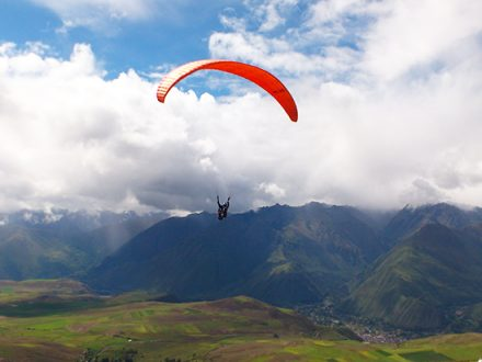 paragliding-sacred-valley